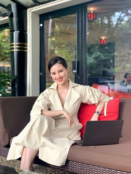 NTK Huyền Châu bỏ nghề MC để khởi nghiệp với thời trang.