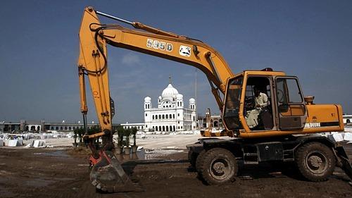 Một công trường xây dựng tại Ấn Độ. Ảnh: Reuters