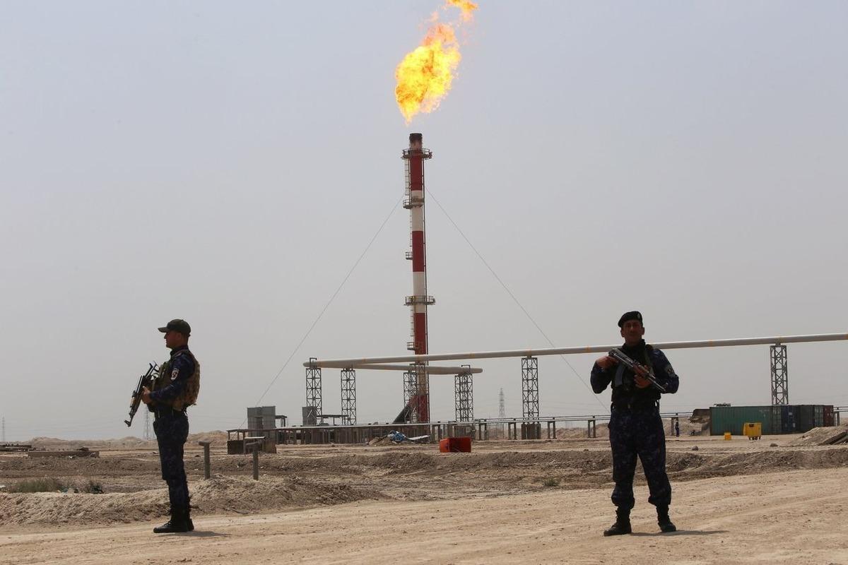 Ngành dầu mỏ nín thở trước cơn giận của Iran
