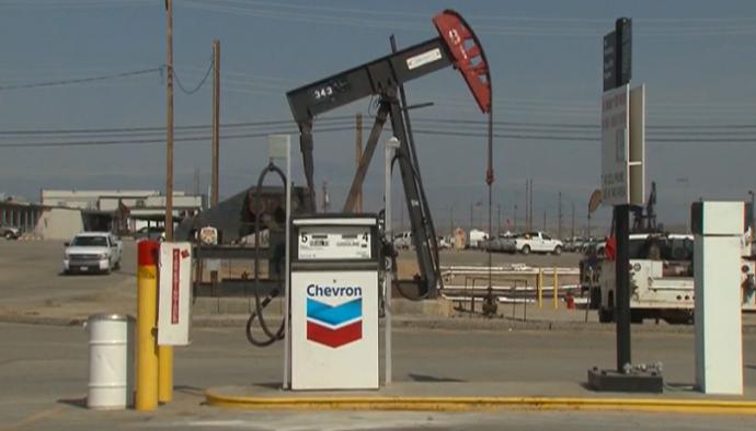 Một trạm xăng dầu của Chevron. Ảnh: CNN