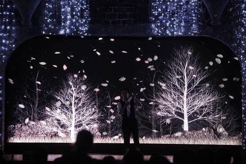 Rực rỡ với Vương quốc ánh sáng hàng trăm mô hình đèn khổng lồ Đến với công viên Thiên đường Bảo Sơn tham dự lễ hội Fantasy Light Festival, du khách sẽ được lạc bước vào thế giới ánh sáng kỳ diệu với hàng trăm mô hình đèn khổng lồ được trang hoàng lộng lẫy.