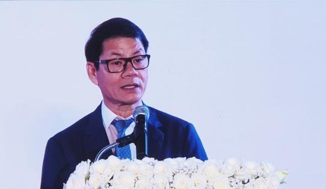 Ông Trần Bá Dương phát biểu tại lễ ký kết tối 9/1. Ảnh: Phương Đông.
