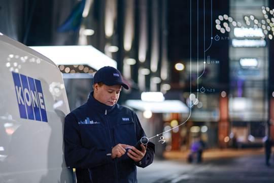 Dịch vụ kết nối 24/7 qua KONE Mobile.