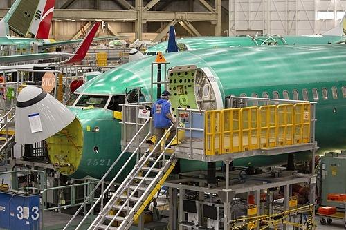 Bên trong một nhà máy của Boeing. Ảnh: Bloomberg