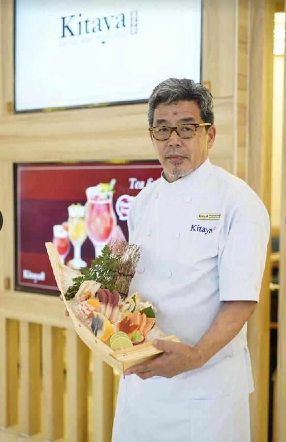 Bếp trưởng Kazu Sanoda là người chịu trách nhiệm lên thực đơn và chế biến chính cho nhà hàng Nhật Kitaya.