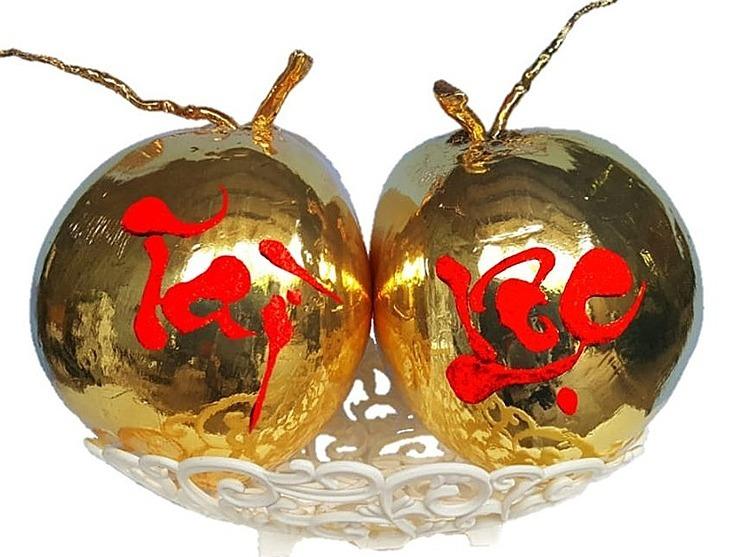 Dừa mạ vàng ở xưởng nhà anh Nguyên. Ảnh: NVCC.