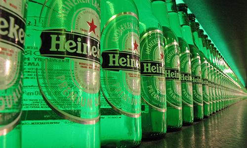 Dây chuyền sản xuất bia Heineken. Ảnh: Dealstreetasia