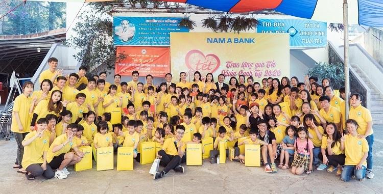 Nam A Bank tiếp tục hành trình Tết yêu thương