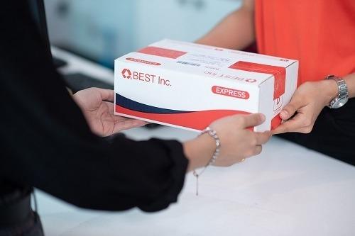 BEST Express có 7 trung tâm khai thác và hơn 100 bưu cục tại Việt Nam. Ảnh: BEST Inc