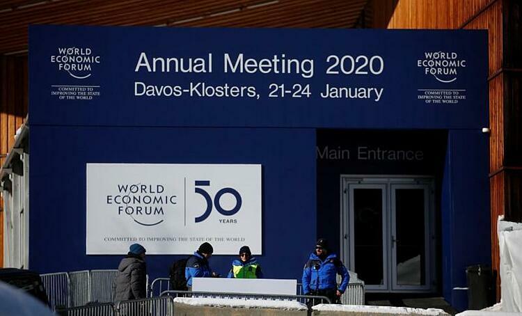 Cảnh sát bên ngoài nơi tổ chức Diễn đàn Kinh tế Thế giới (WEF) tại Davos. Ảnh: Reuters