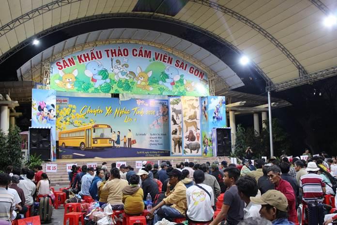 Chương trình Chuyến xe nghĩa tình của FE Credit mang đến cơ hội đoàn viên cùng người thân trong dịp Tết Nguyên Đán cho nhiều người lao động thu nhập thấp tại khu vực TP HCM.