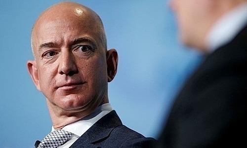 Ông chủ Amazon có thêm 13 tỷ USD trong vài phút
