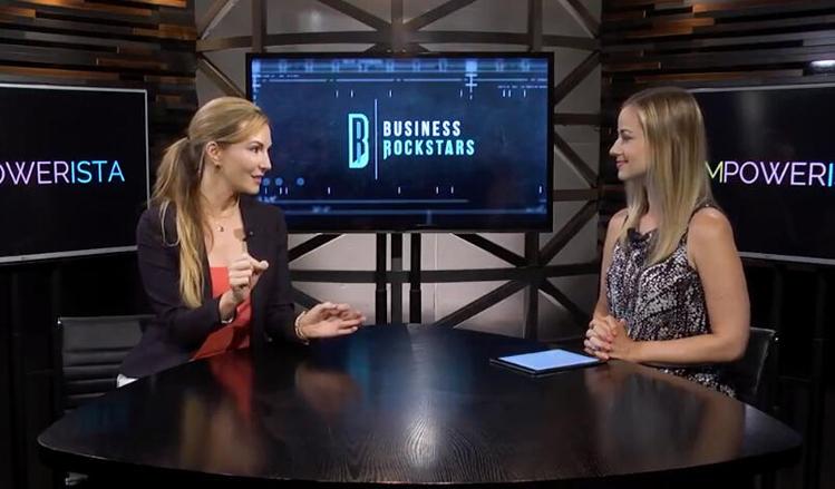 Cooper Harris (trái) tham gia buổi phỏng vấn của chương trình Business Rockstar.