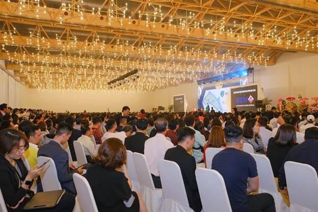 Sự kiện giới thiệu dự án thu hút hàng nghìn người tham dự.