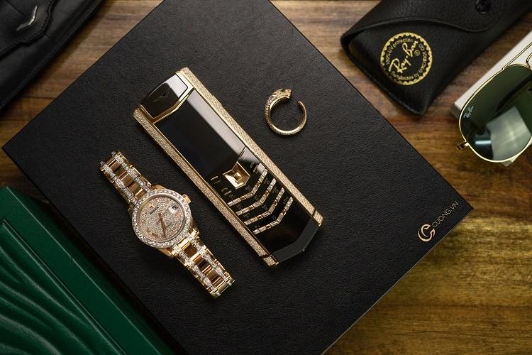 Sản phẩm điện thoại Vertu và đồng hồ Rolex được chế tác độc bản bởi Cuong.vn.