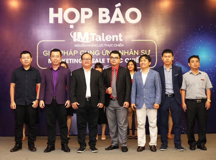 Đại diện Hiệp hội thương mai điện tử Việt Nam VECOM, IM Group và khách mời tại buổi ra mắt dự án IM Talent.
