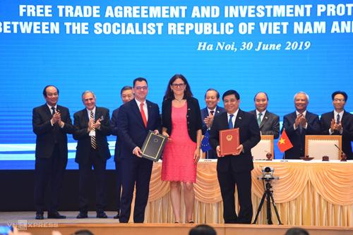 EVFTA và IPA đã chính thức được ký kết. Ảnh: Giang Huy.