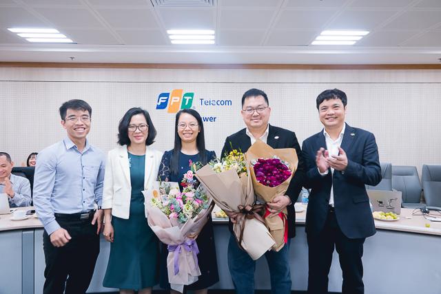 Ông Hoàng Nam Tiến(thứ hai từphải sang)được bầu vào vị tríChủ tịch FPT Telecomnhiệm kỳ 2018-2023.Ảnh: FPT Telecom