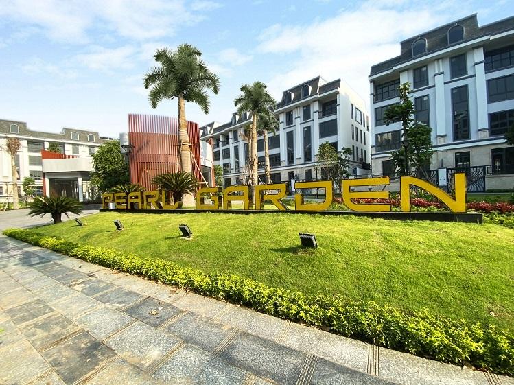 Một góc xanh mát của công viên Pearl Garden vừa được hoàn thiện tại Khu đô thị Vạn Phúc.