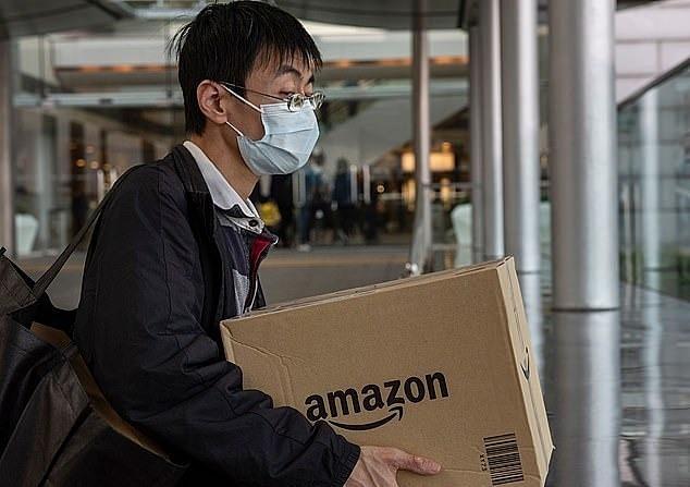 Amazon chật vật dẹp loạn thị trường khẩu trang, nước rửa tay