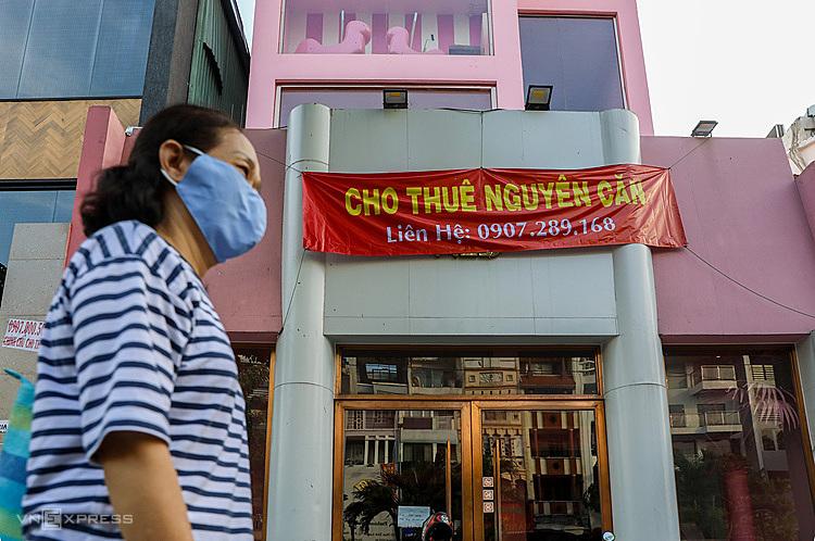 Nhà mặt tiền rao cho thuêtrên đường Phan Xích Longđóng cửa ngày 5/3.Ảnh: Quỳnh Trần