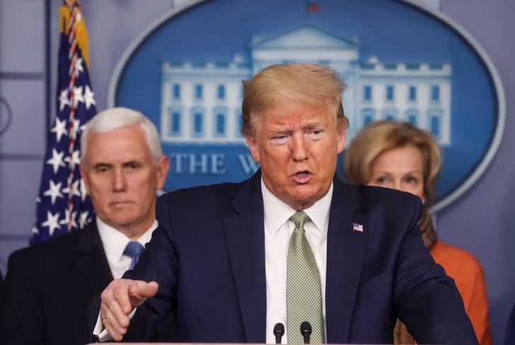Tổng thống Mỹ Donald Trump trongcuộc họp báo hôm qua. Ảnh: Reuters