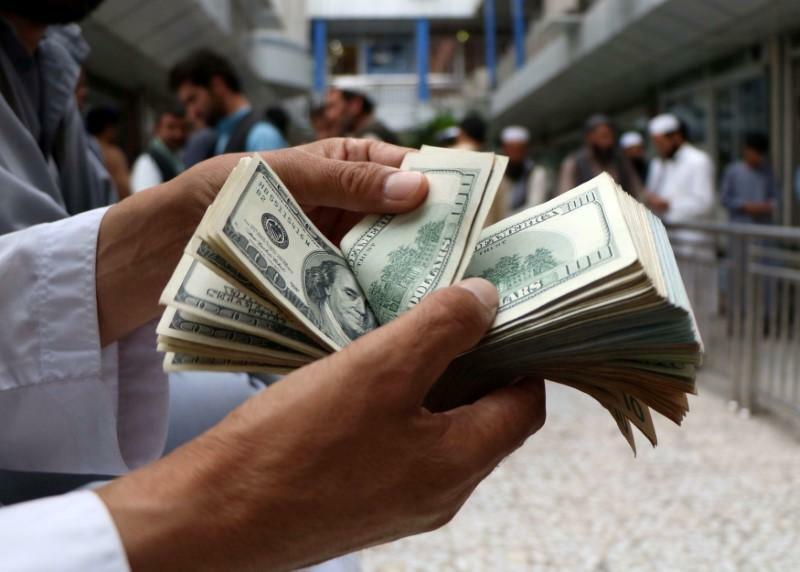 Lý do Fed phải hãm đà tăng của USD