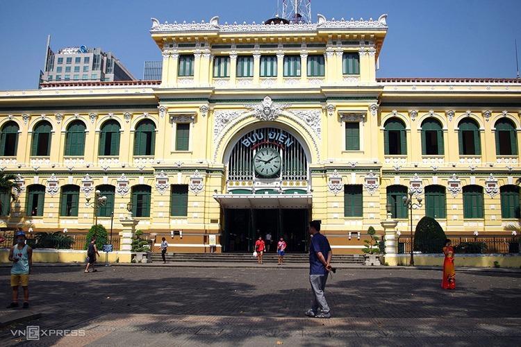 Bưu điện TP HCM vắng khách tham quan do lo sợ dịch nCoV.Ảnh:Tâm Linh.