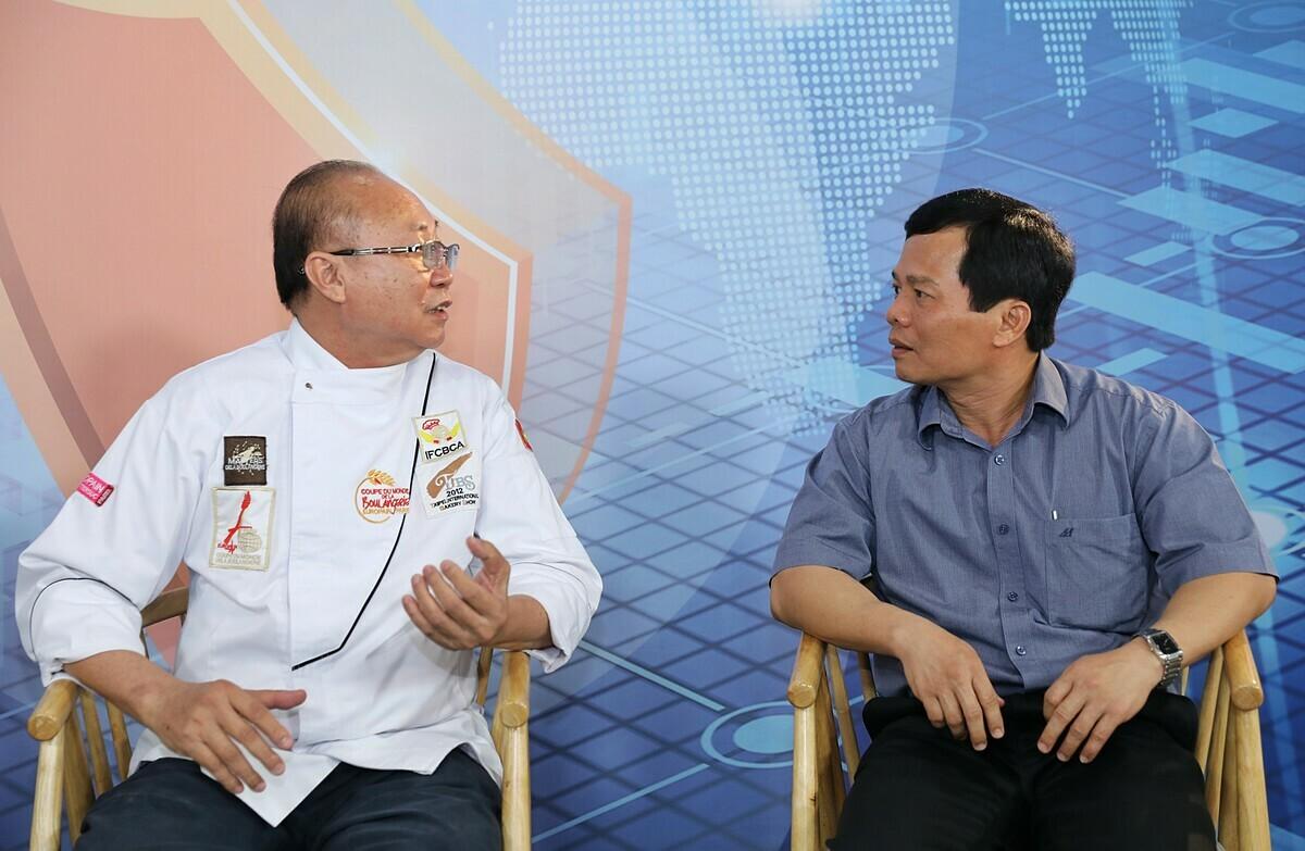 Ông Kao Siêu Lực - Tổng giám đốc ABC Bakery (trái) và ông Phan Văn Dũng - Phó tổng giám đốc Vissan. Ảnh: Quỳnh Trần