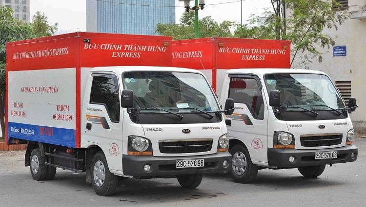 Xe tải Thành Hưng phục vụ giao nhận, vận chuyển hàng hóa.