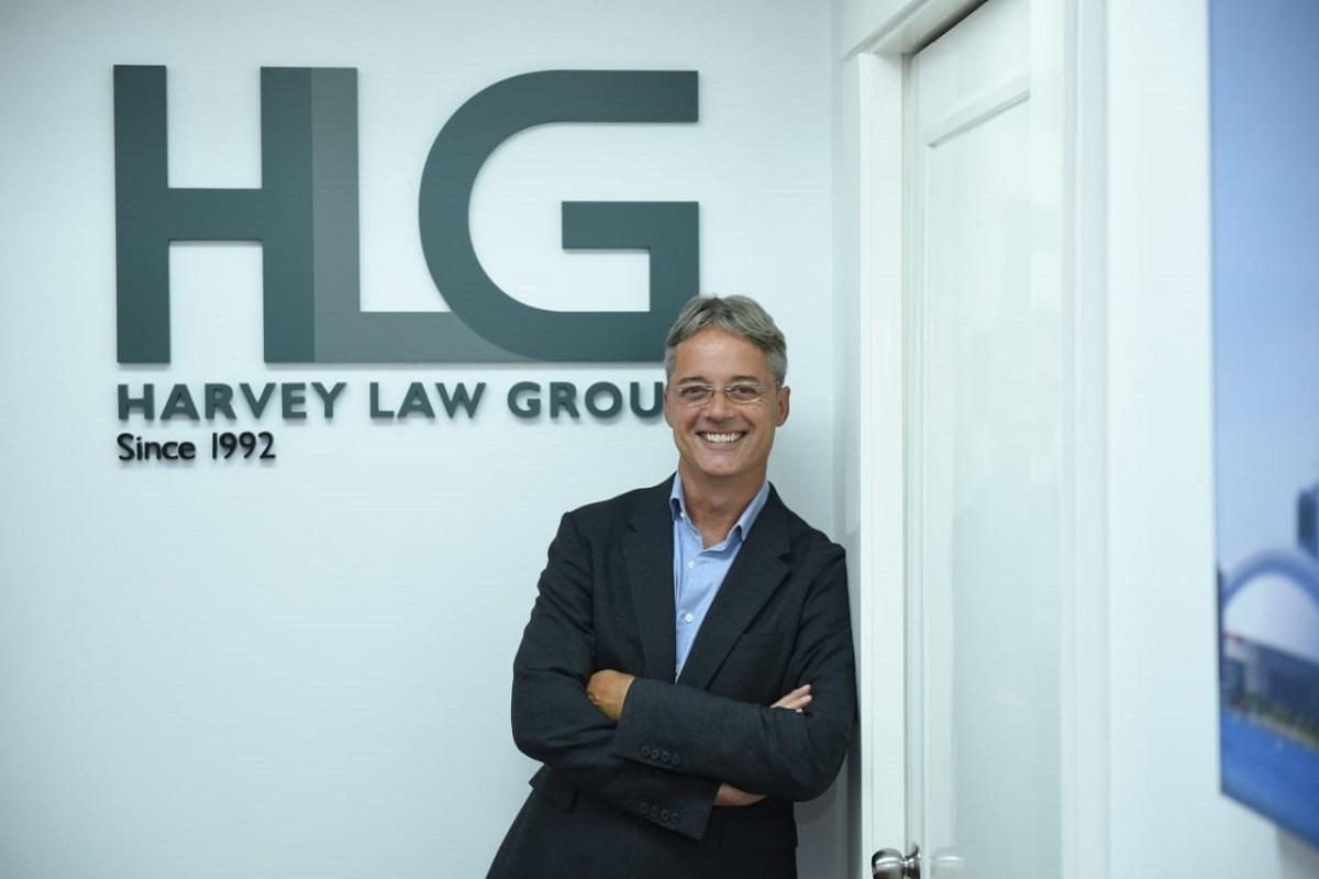 Ông Jean-François Harvey - Nhà sáng lập kiêm luật sư điều hành toàn cầu tập đoàn Harvey Law Group.