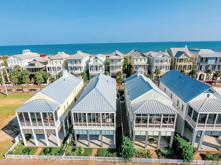 Một dự án second home gần bãi biển tại Galveston, Texas, Mỹ. Ảnh: Courtesy of BeachTown.