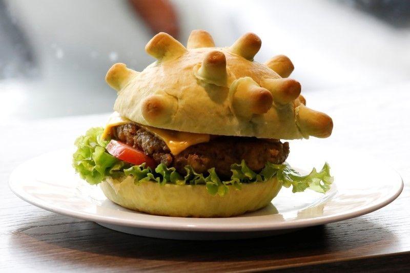 MónBurger Corona do Pizza Home sáng tạo. Ảnh: Reuters