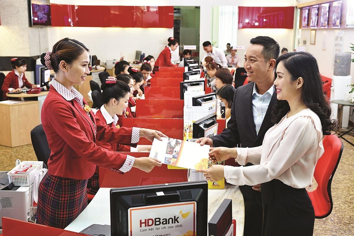 HDBank chủ động giảm lãi suất vay tới 4,5% cho khách hàng, không yêu cầu chứng minh khó khăn trong dịch.