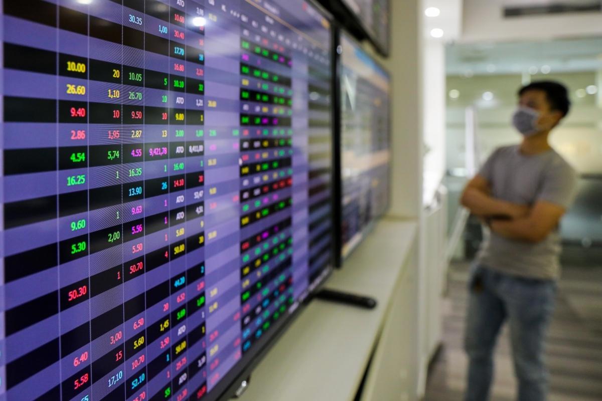VN Index giảm 31 điểm trong phiên giao dịch lịch sử 1 tỷ USD
