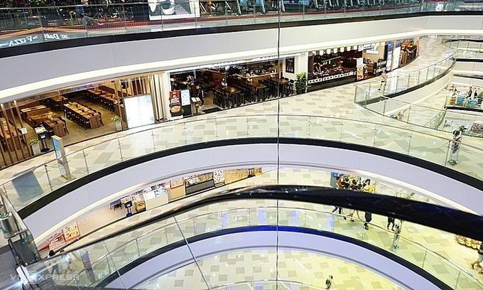 Một trung tâm mua sắm tại quận 10, TP HCM thưa vắng người từ giữa tháng 2/2020. Ảnh: Viễn Thông