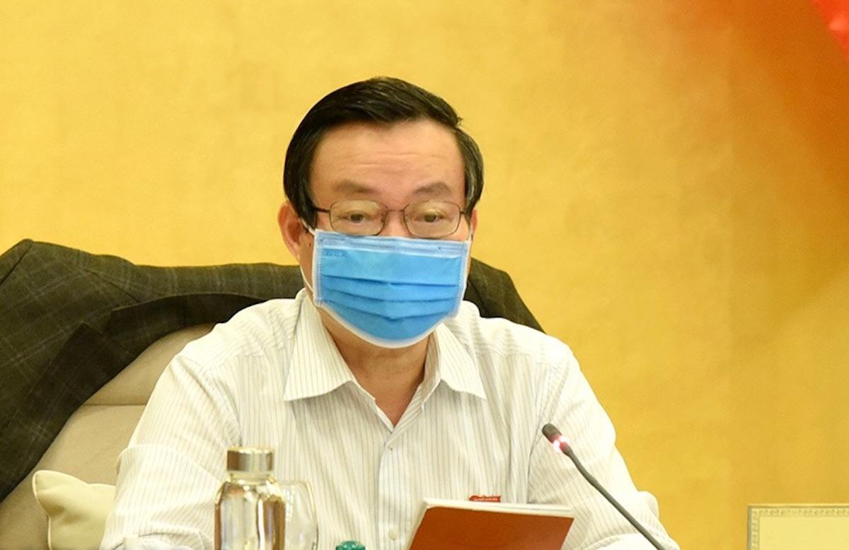 Phó chủ tịch Quốc hội Phùng Quốc Hiển chủ trì phiên thảo luận Uỷ ban Thường vụ Quốc hội ngày 20/4. Ảnh: Trung tâm báo chí Quốc hội.