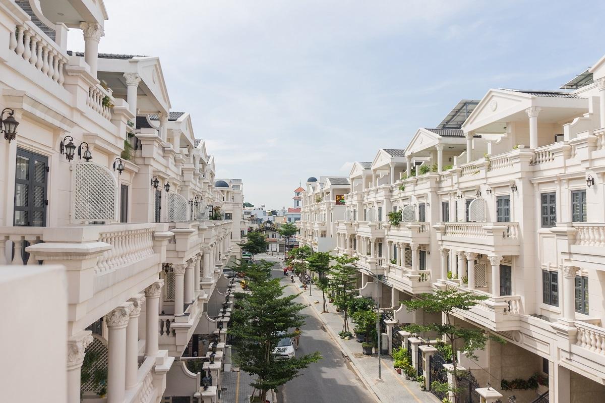 Các sản phẩm nhà ở tại khu đô thị kiểu mẫu với vị trí thuận lợi, nhiều mảng xanh, đa tiện ích luôn được khách hàng đánh giá cao