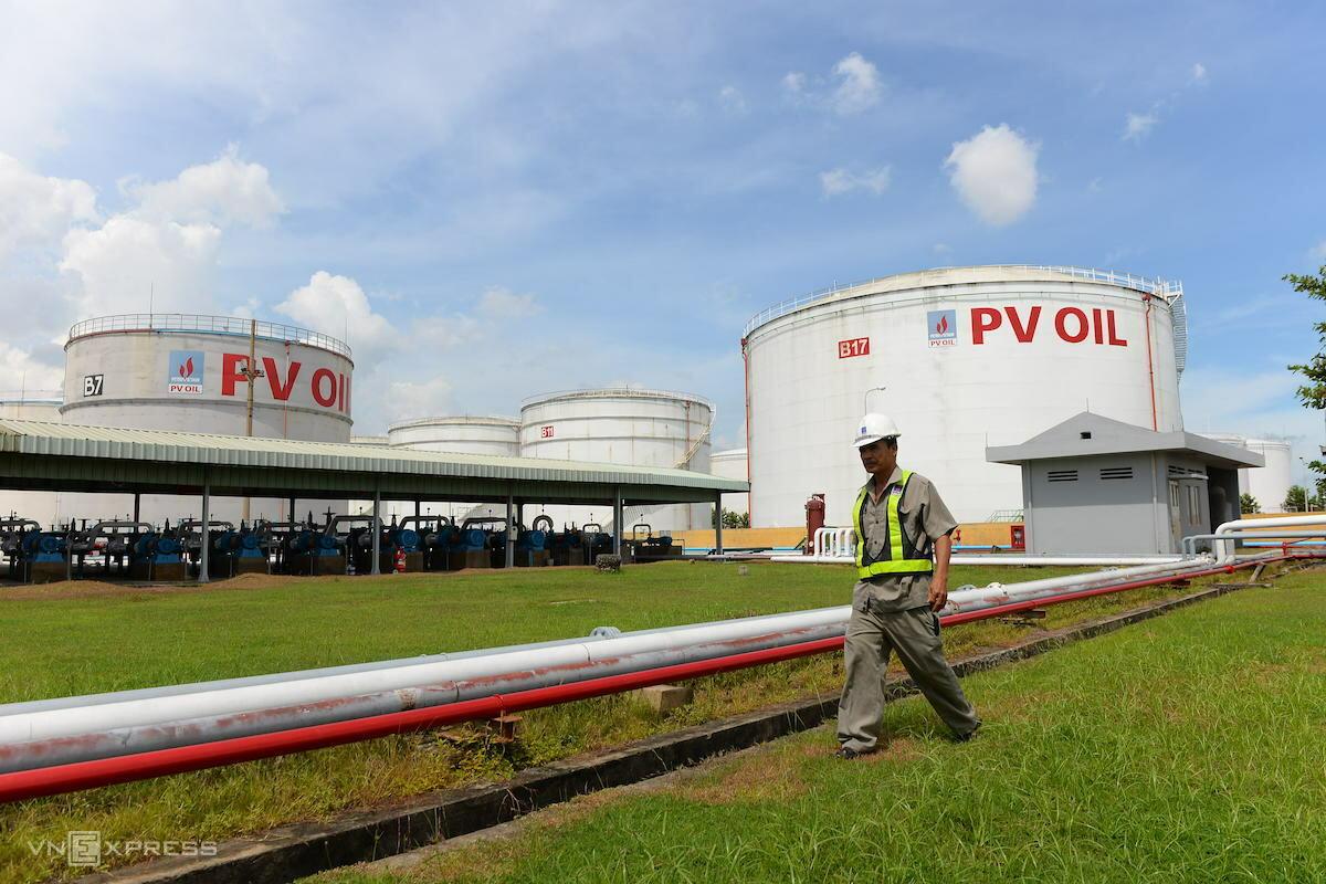 Kho chứa xăng dầu của Tổng công ty Dầu Việt Nam (PVOil). Ảnh: Hữu Khoa