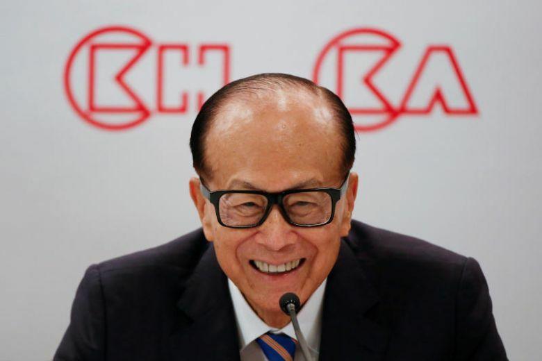 Tỷ phú Li Ka-shing trong buổi họp báo tháng 3/2018. Ảnh: Reuters