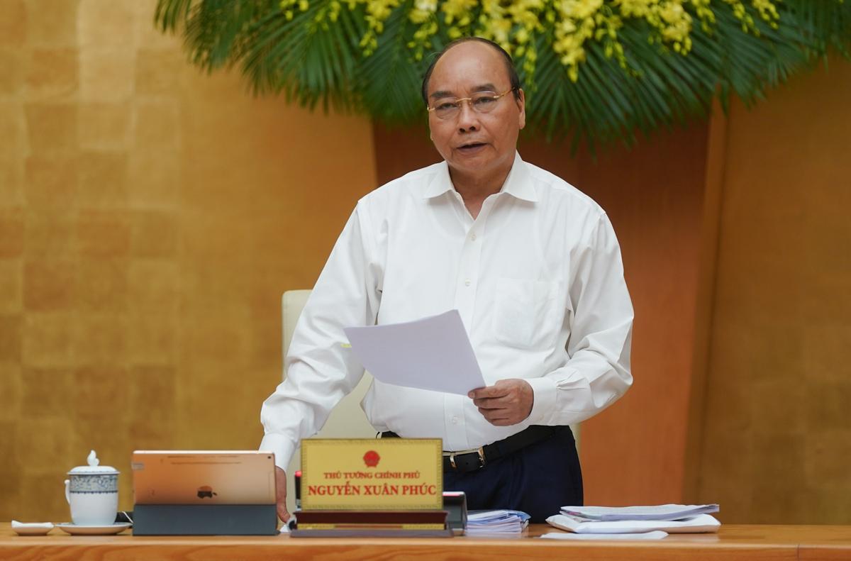 Thủ tướng Nguyễn Xuân Phúc chủ trì cuộc họp Chính phủ ngày 5/5. Ảnh: VGP