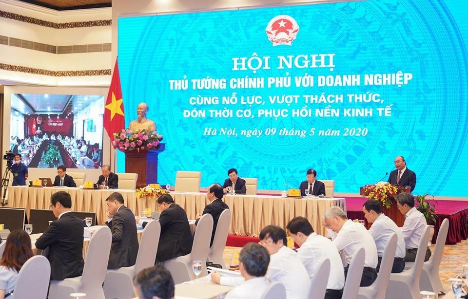 Hội nghị trực tuyến giữa Chính phủ và cộng đồng doanh nghiệp ngày 9/5. Ảnh: Quang Hiếu.
