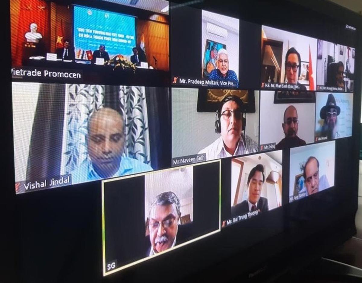 Hội nghị  trực tuyến xúc tiến thương mại Việt Nam - Ấn Độ thu hút đông đảo doanh nghiệp tham gia.