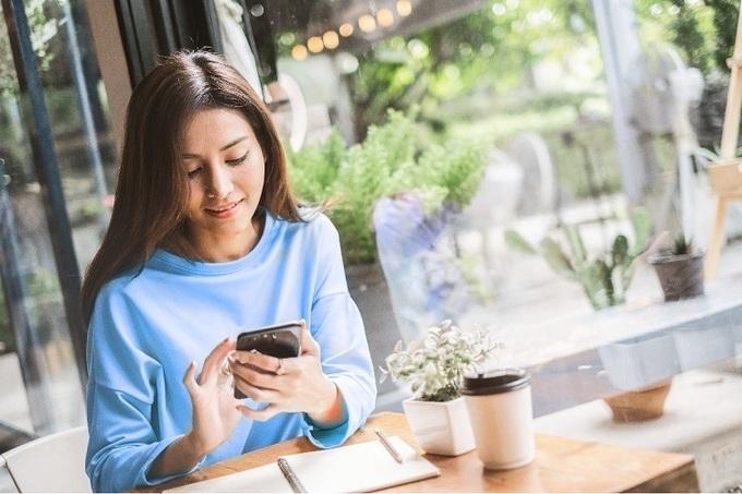 Khách hàng liên hệ Hotline 1900555596 hoặc truy cậpwebsiteđể nhậntư vấn về dịch vụ gửi tiết kiệm online.