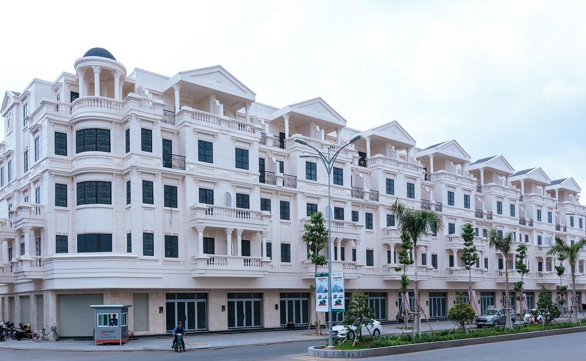 Bất động sản đã hoàn thiện được đánh giá là một trong những kênh đầu tư an toàn, thanh khoản cao