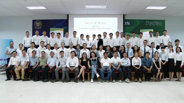 Đội ngũ CP Việt Nam, TrueMoney Việt Nam và Ngân hàng Việt Nam Thịnh Vượng (VPBank).