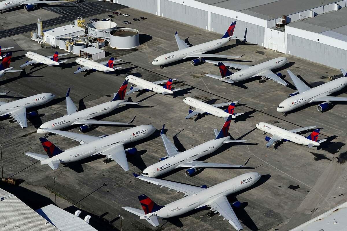 Các máy bay của Delta Air Lines tại sân bay ở Alabama (Mỹ). Ảnh: Reuters