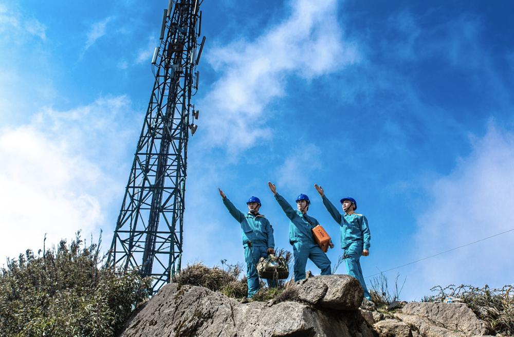Công trình Viettel đã xây dựng được hệ thống hạ tầng mạng lưới viễn thông trong nước với hơn 50.000 trạm phát sóng.