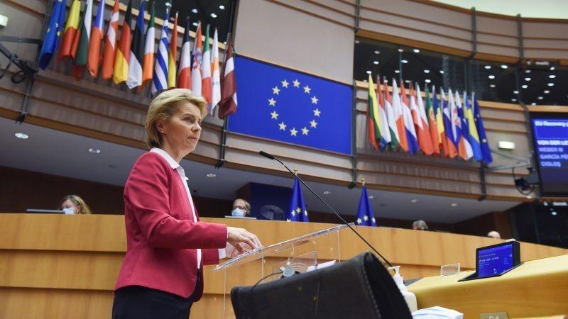 Chủ tịch Ủy ban Châu Âu Ursula von der Leyen nói về gói 750 tỷ euro tạiNghị viện châu Âu ở Brussels hôm 27/5. Ảnh:EC - Audiovisual Service