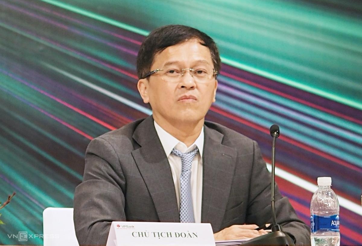 Ông Nguyễn Đức Vinh, Tổng giám đốc VPBank tại phiên họp thường niên chiều 29/5. Ảnh: Minh Sơn.